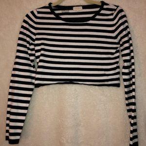 Black & White Cropped Sweater - M